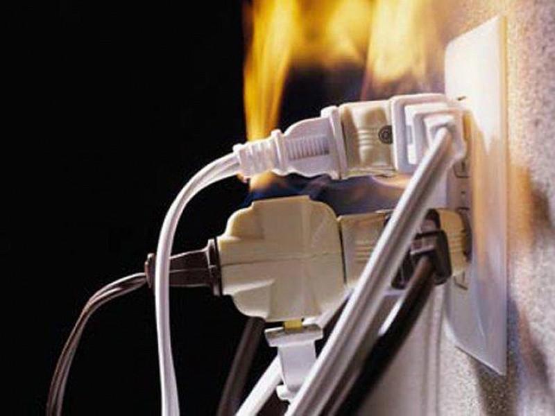 ГПСО г. Ясиноватая напоминает об основных правилах пожарной безопасности при монтаже и эксплуатации электрооборудования!