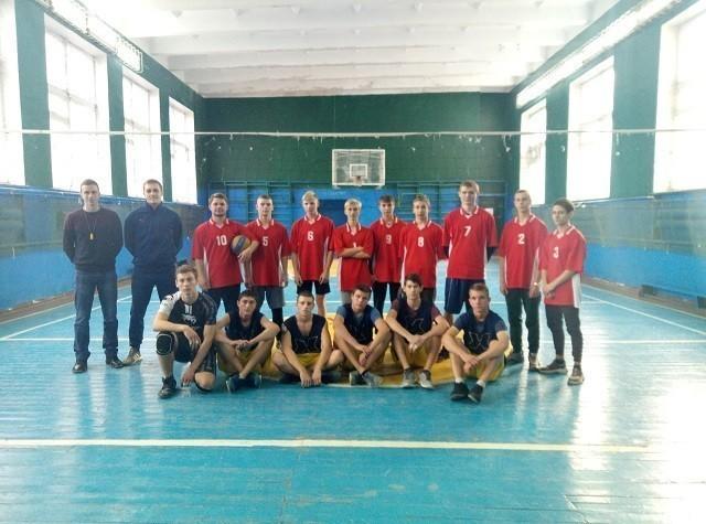 Соревнования поволейболу среди юношей