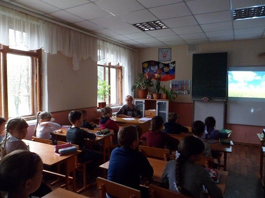 Учащимся 2-х и 4-х классов продемонстрировали фильм «Маленькие герои большой войны»