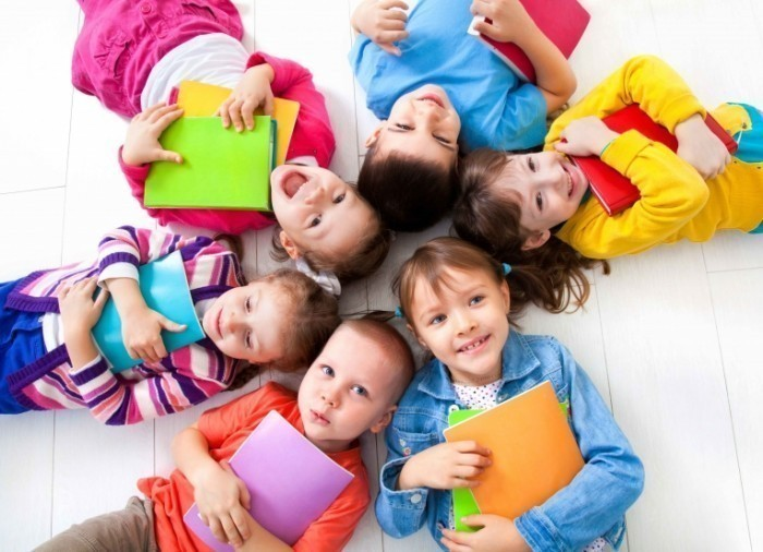 Устройство детей-сирот и детей, лишённых родительского попечения  в семейные формы воспитания