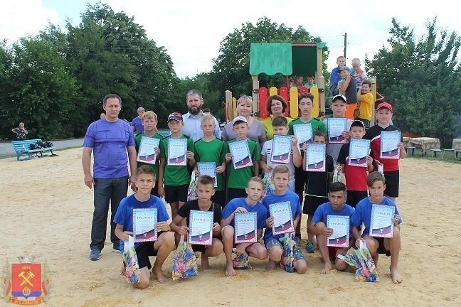 В городе Ясиноватая состоялось открытие Республиканского турнира по футболу среди дворовых команд