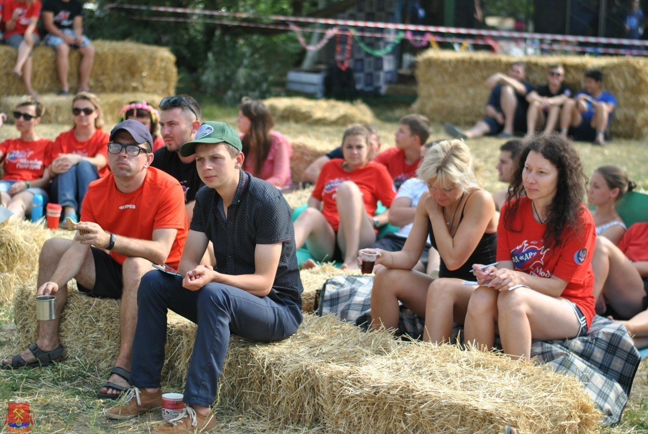 Участие в фестивале «Молодая Гвардия» молодежи города Ясиноватая