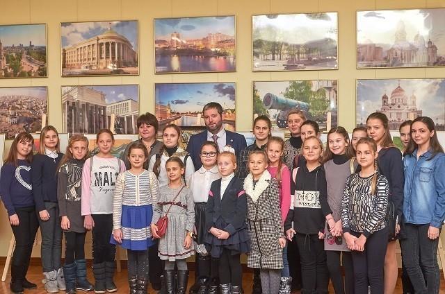 Юные   художники  города  Ясиноватая