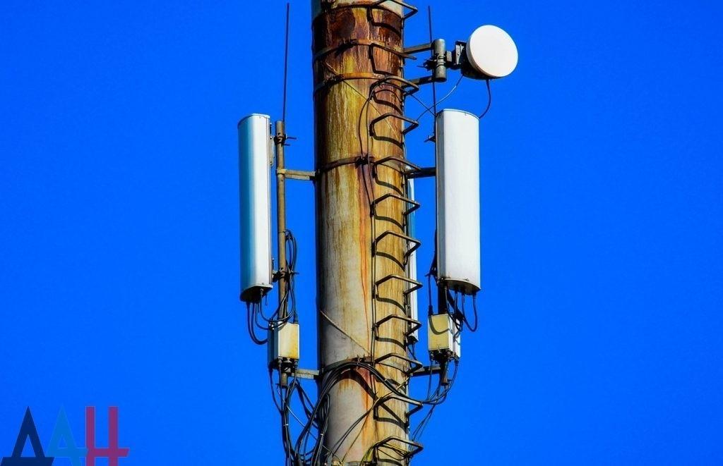 «Феникс» обеспечил работу мобильной сети в прифронтовом селе Васильевка под Ясиноватой – Минсвязи