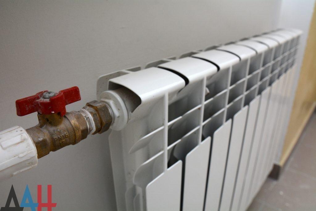 В Минстрое связали проблемы с отоплением в домах с высокой изношенностью тепловых сетей