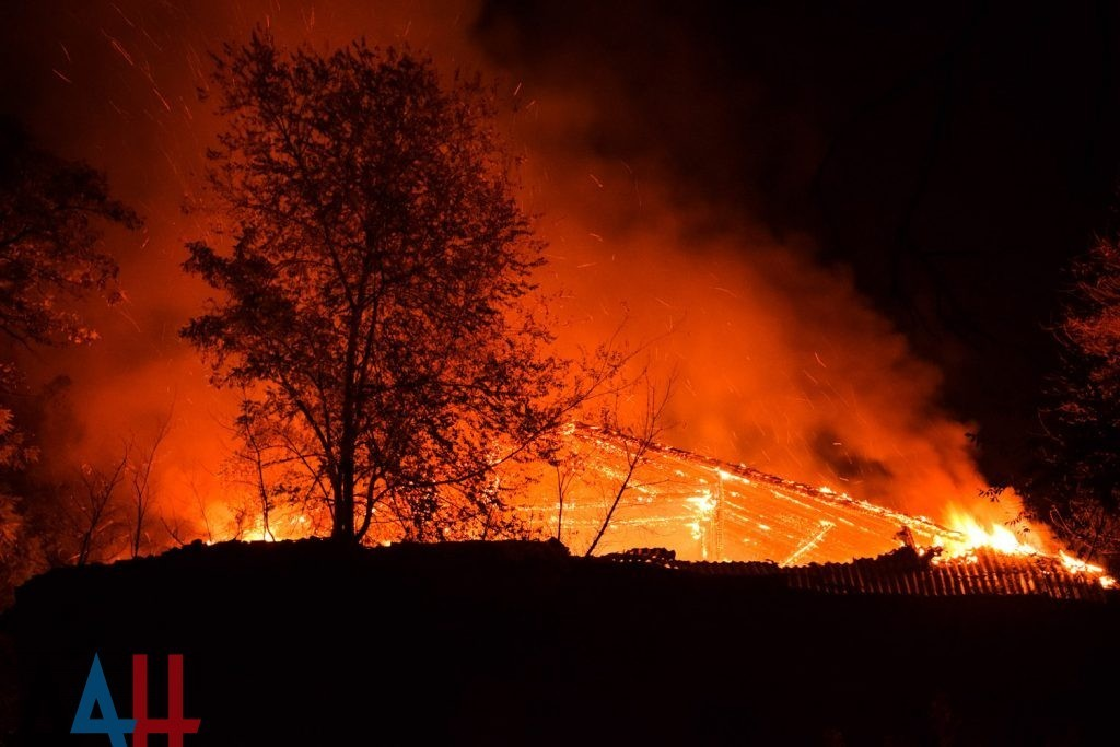 Сотрудники МЧС за неделю ликвидировали 260 пожаров на территории ДНР