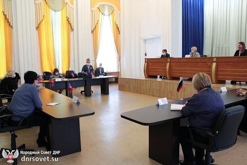 Парламентарии поддержали инициативу спикера парламента: при профильном комитете создана рабочая группа по дебюрократизации в сфере образования