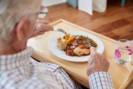 О рекомендациях по питанию для людей старше 60 лет