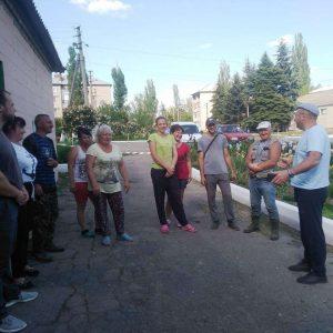 Сход граждан в поселке Красный Партизан