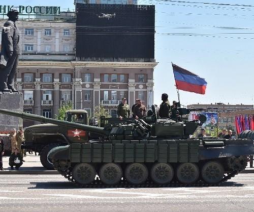 Денис Пушилин посетил репетицию военного парада