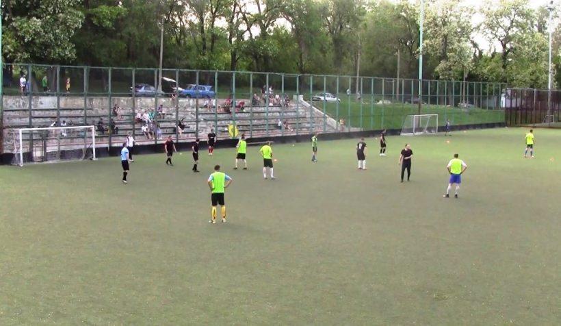 футбольная команда Локомотив Ясиноватая
