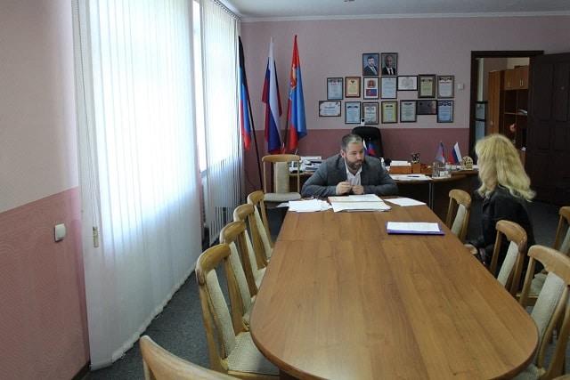 Прием граждан руководством администрации города Ясиноватая