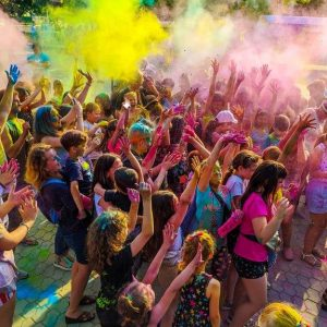 Фестиваль красок ко Дню молодёжи