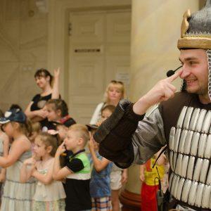Дети из Ясиноватой побывали в стране сказок