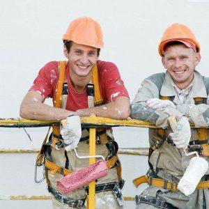 В Ясиноватую возвращаются специалисты-строители