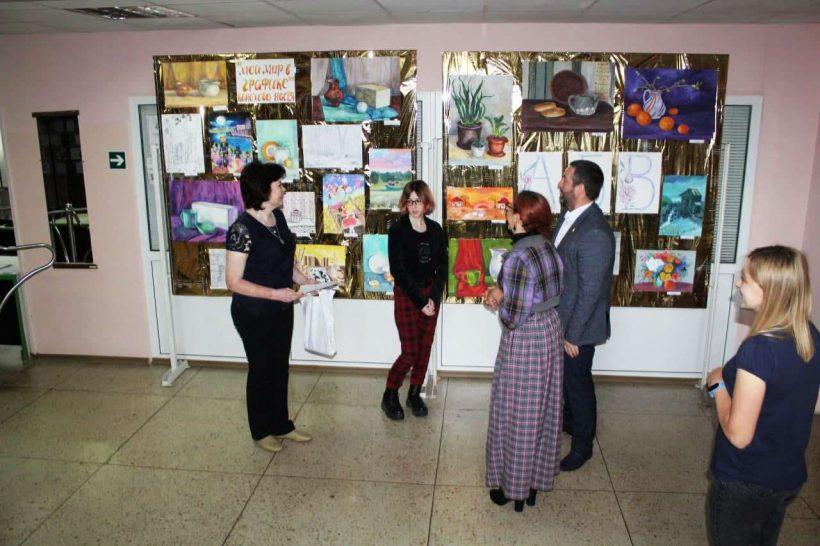 выставка Коноховой Анастасии «Мой мир в графике»