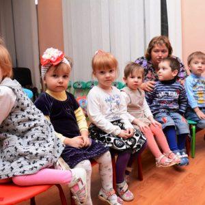 В ДНР усыновлено 375 детей-сирот и оставшихся без попечения