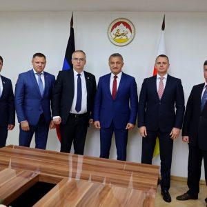 Делегация ДНР встретилась с Президентом Республики Южная Осетия Анатолием Бибиловым